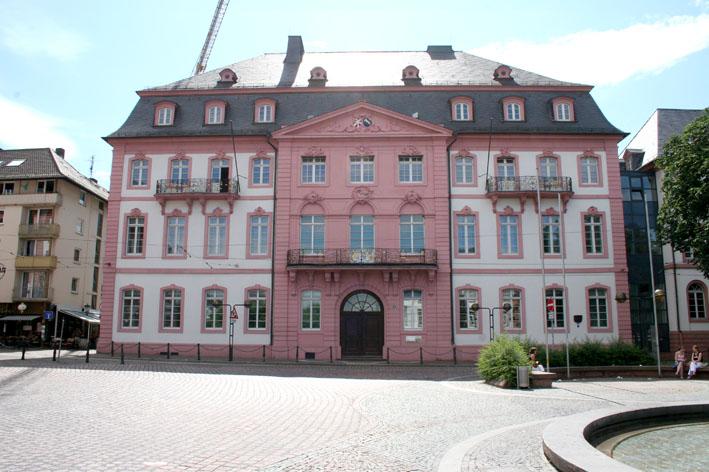 Bassenheimer Hof Einkaufen Am Schillerplatz Mainz